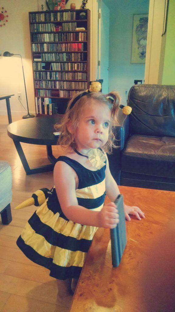 Bee__